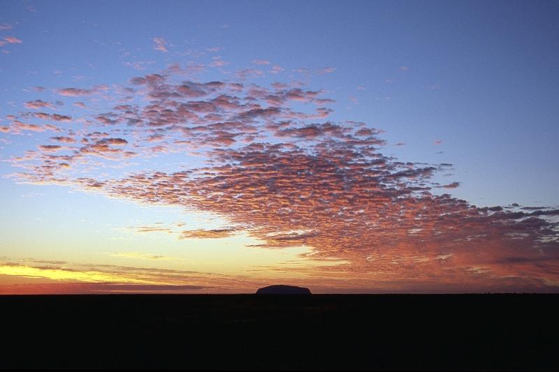 Ulurusunrise_PaulaSmithPhotography